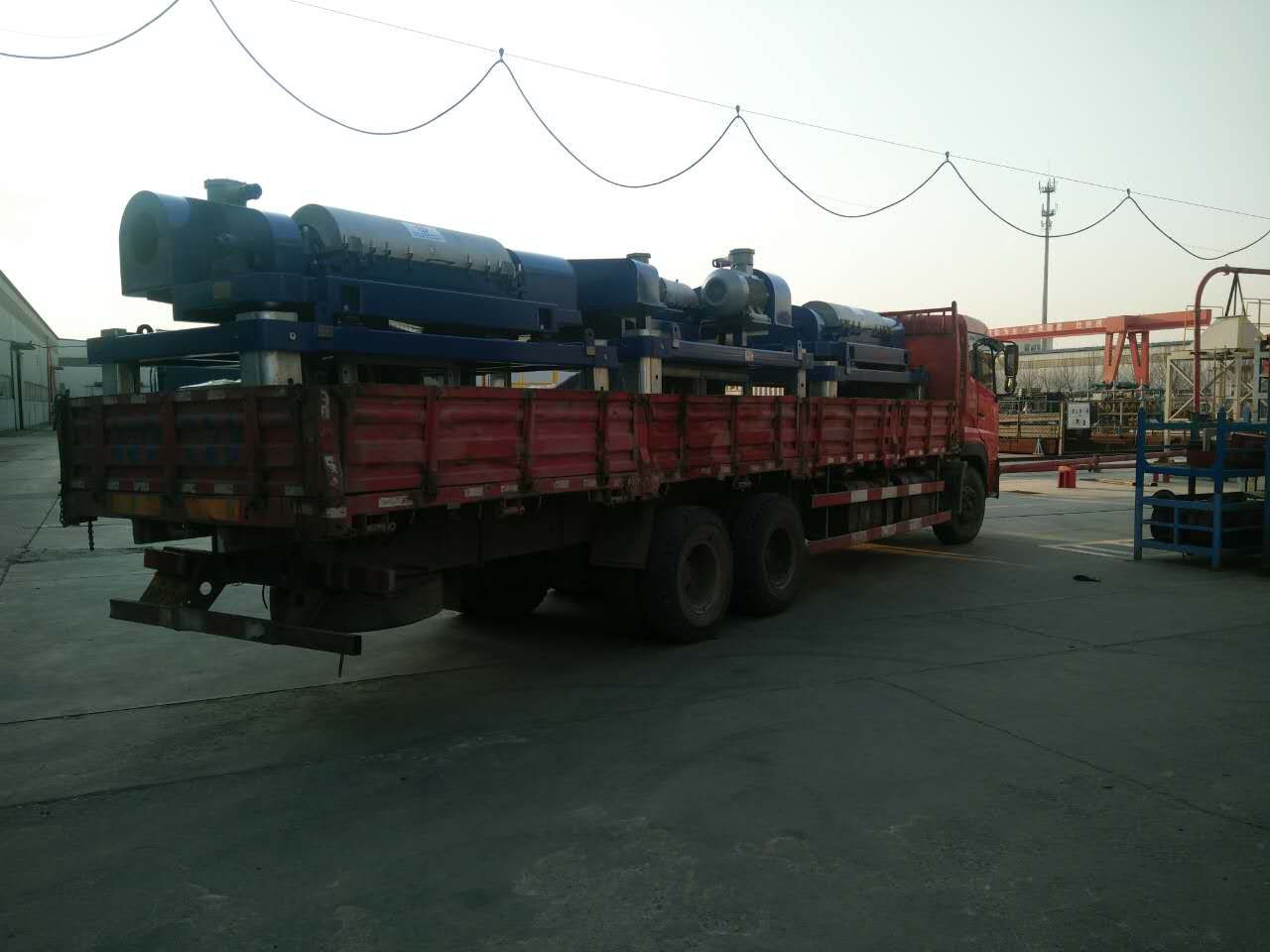 In March 15, 2017, the FDLW450-1250N drilling fluid centrifuge was sent to a drilling team in China